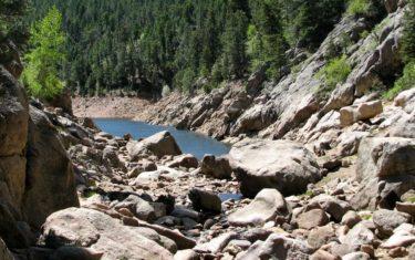 lakeshore of gross reservoir on forsythe canyon hike near boulder