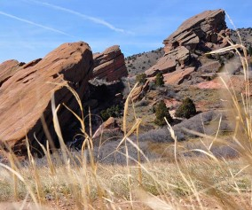 red rocks trail at red rocks park header