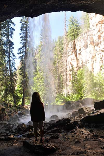 09_hanging-lake-colorado-indispoutingfalls