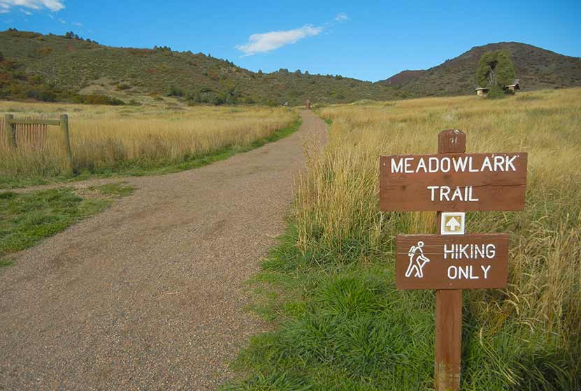 01_deer-creek-canyon-hike-trailhead-new