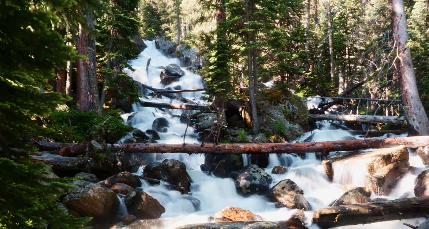 waterfall-hikes-dayhikes-near-denver-page