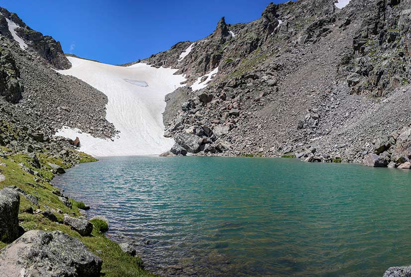 Andrews Glacier and Tarn in Rocky Mountain National Park ...