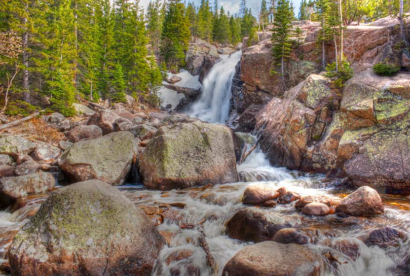 alberta-falls-haiyaha-loop-hike-ben-cash-creative-commons