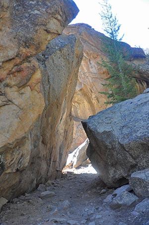 arch-rock-rocky-mountain-national-park-dayhikes-near-denver-tall2