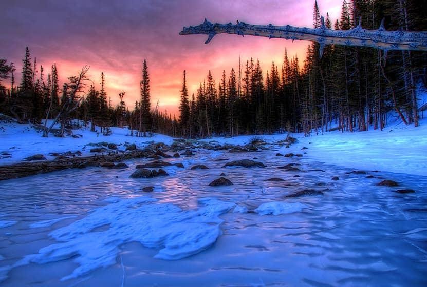 10 winter hiking tips sunrise frozen dream lake